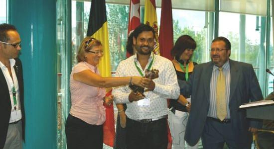 La Escuela Técnica de Joyería del Atlántico de Vigo que imparte los ciclos oficiales de joyería homologados por el Ministerio de Educación del Gobierno de España recibe el Premio Internacional Jose Nicolau por su trayectoria en el mundo de la educación y en la especialidad de joyería.